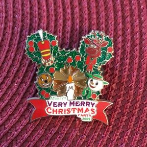 Disney Very Merry Christmas pin.